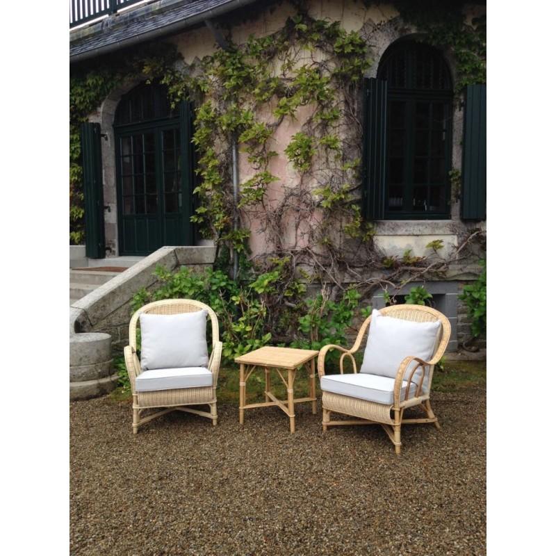 louer-mobilier-festival-cannes-location-fauteuil-en-rotin